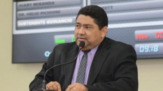 Vereador propõe projeto para inclusão de grafia em inglês em placas de sinalização